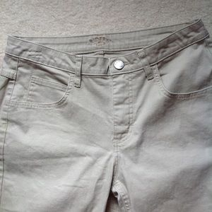 Riders by Lee Shorts - EUC Lee Rider Khaki Bermudas